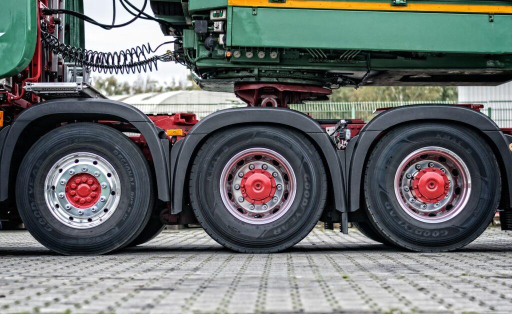 vrachtwagenband lek, truck band lek